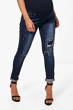 Se  Maternity  Ripped Detail Skinny Jeans ved Boohoo.com