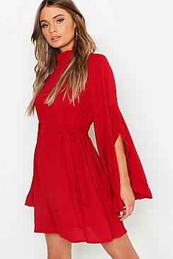 Se  Boho High Neck Wide Sleeve Shift Dress ved Boohoo.com