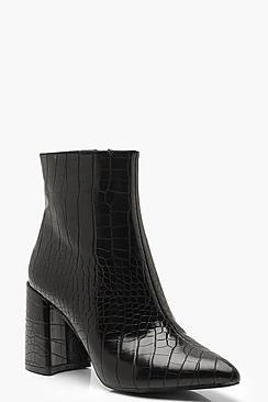 Se  Croc Block Heel Sock Boots ved Boohoo.com