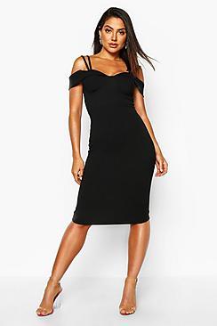 Se  Strappy Cold Shoulder Midi Dress ved Boohoo.com