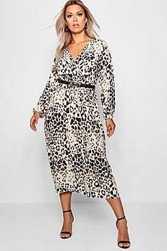 Se  Plus Leopard Midi Dress ved Boohoo.com