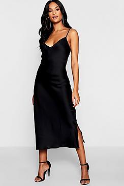 Se  Tall Satin Slip Dress ved Boohoo.com