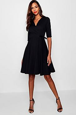 Se  Tall  Wrap and Skater Dress ved Boohoo.com