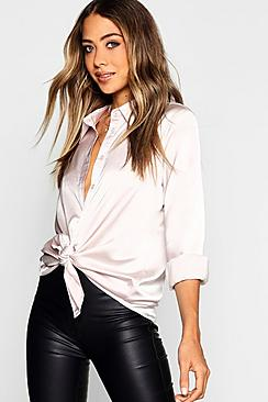 Se  Woven Satin Oversized Long Sleeve Shirt ved Boohoo.com
