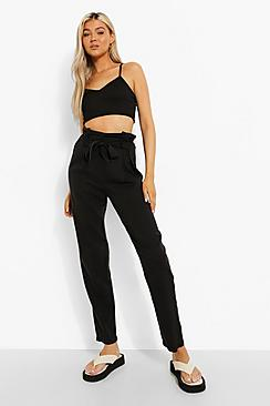 Se  Tall Belted Pleat Front Denim Cropped Trouser ved Boohoo.com